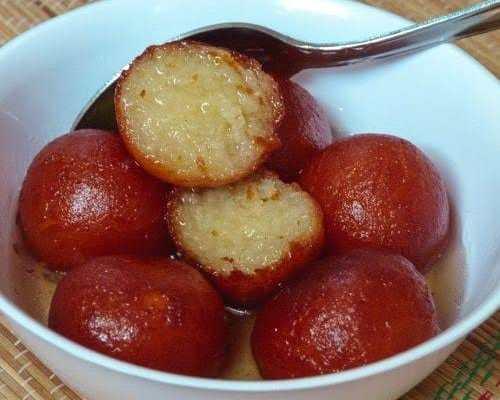mouth watering home made Gulab Jambu