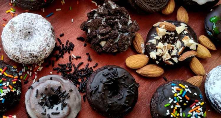 MINI CHOCOLATE CAKE DOUGHNUTS!