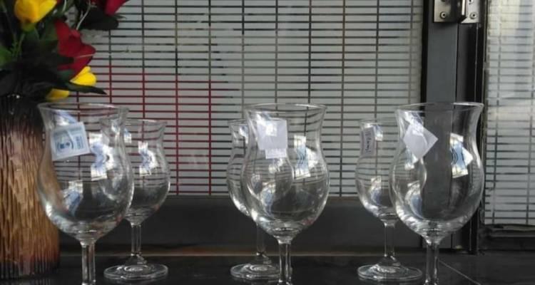 A set of 6 shapely wine glass
