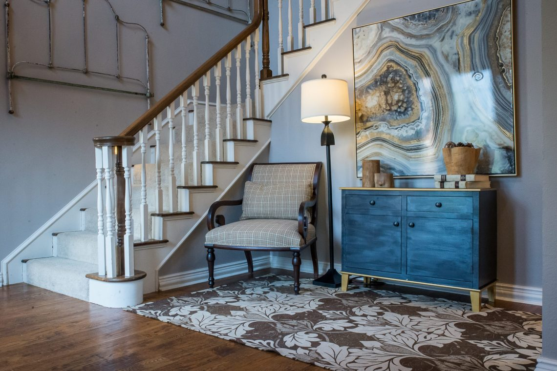 How to paint laminate furniture with metallic paint