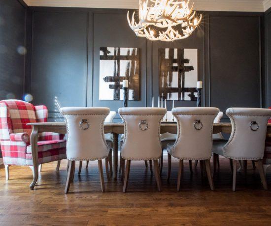 dark wall paint dining room inspiration