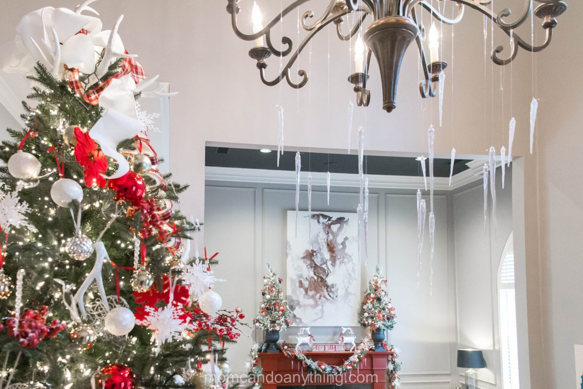 Christmas Chandelier Decoration Ideas_Mom Can Do Anything (7 of 7)