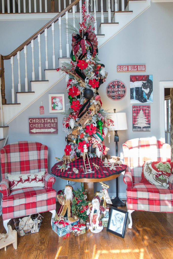Santa Clause Inspired Christmas Tree