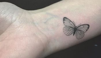 d6e64618a2e12 Butterfly Tattoo on Wrist - Butterfly Simple Tattoos - Simple ...