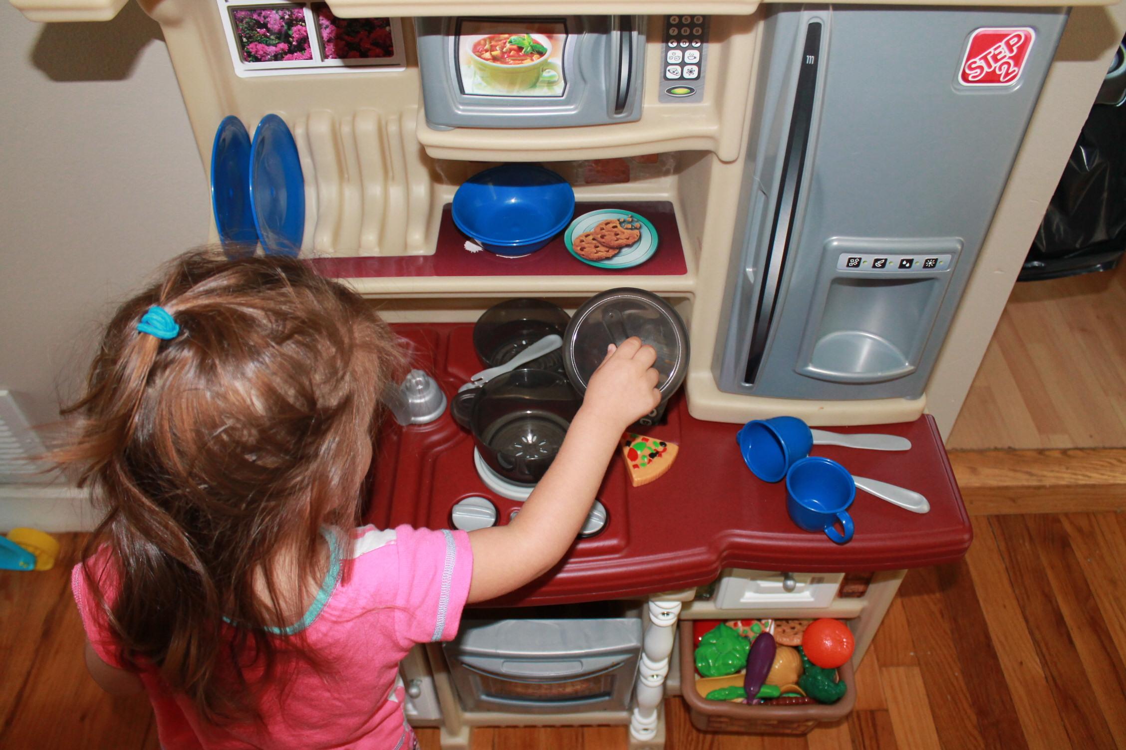 step2 lifestyle custom kitchen ii new product momeefriendsli