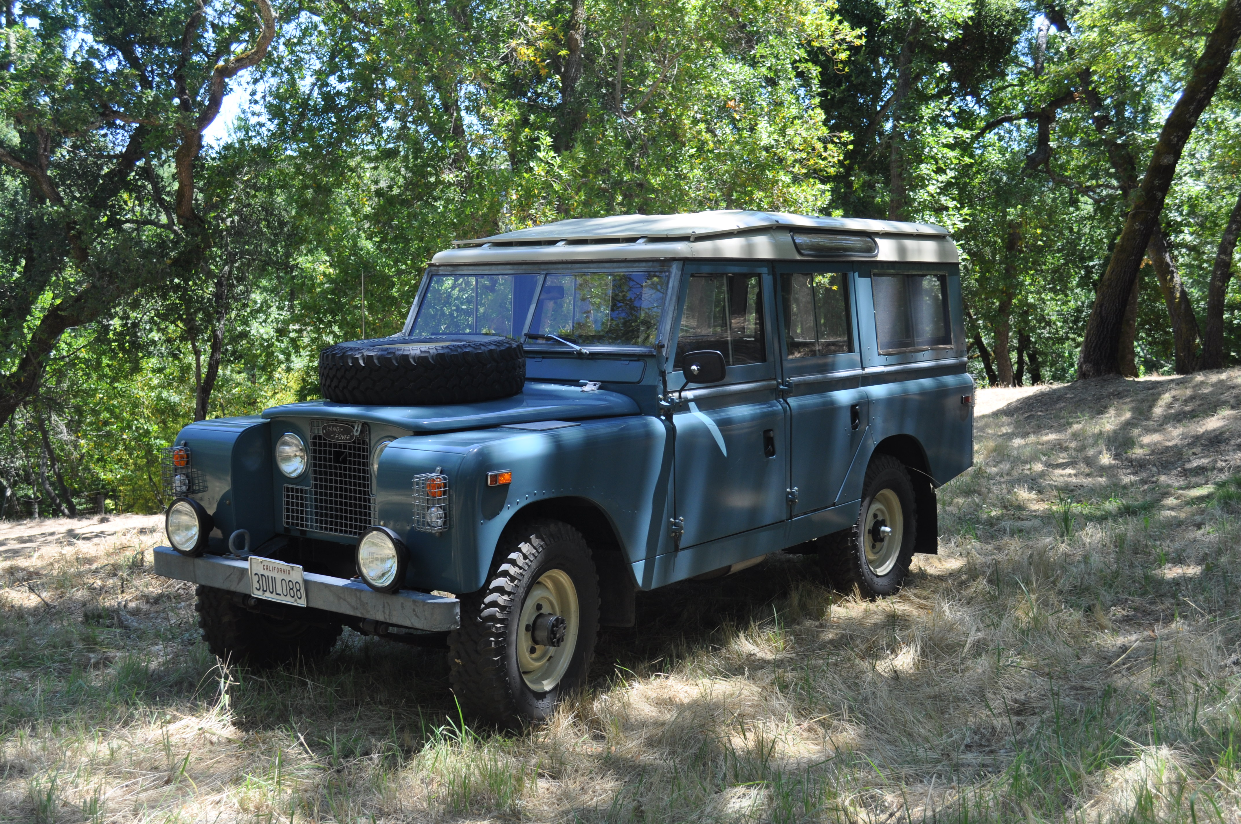 1968 Land Rover Series II Information and photos MOMENTcar