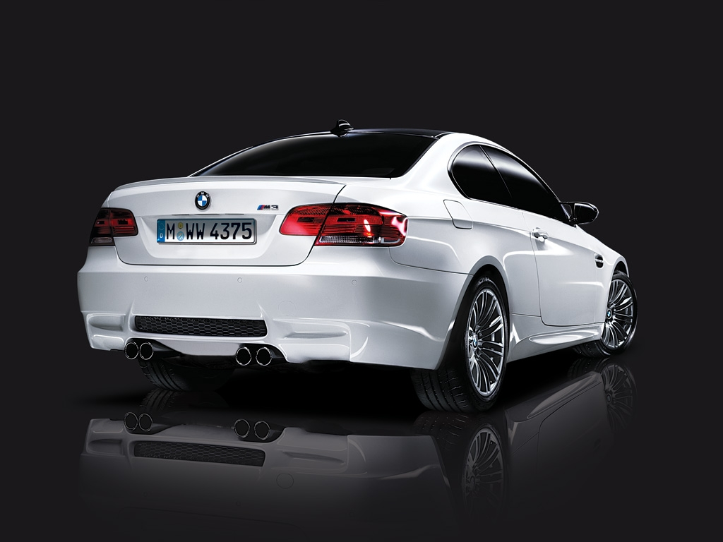 hight resolution of bmw m3 2010 2