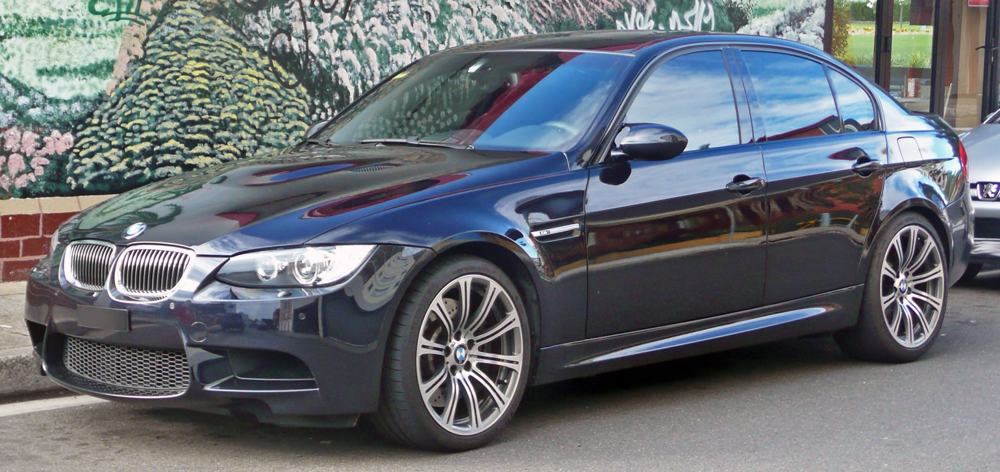 hight resolution of bmw m3 2010 8