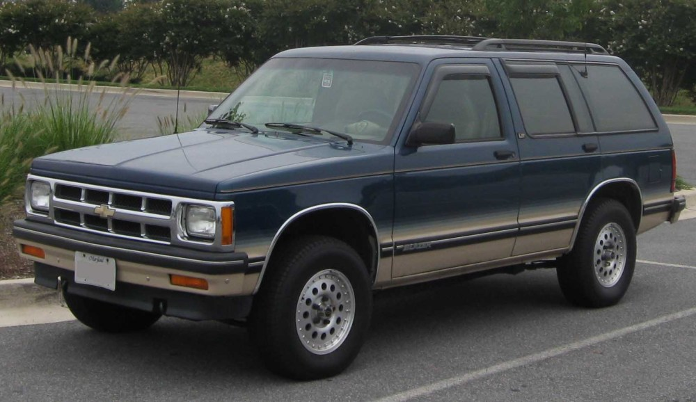 medium resolution of chevrolet s 10 blazer tahoe 10