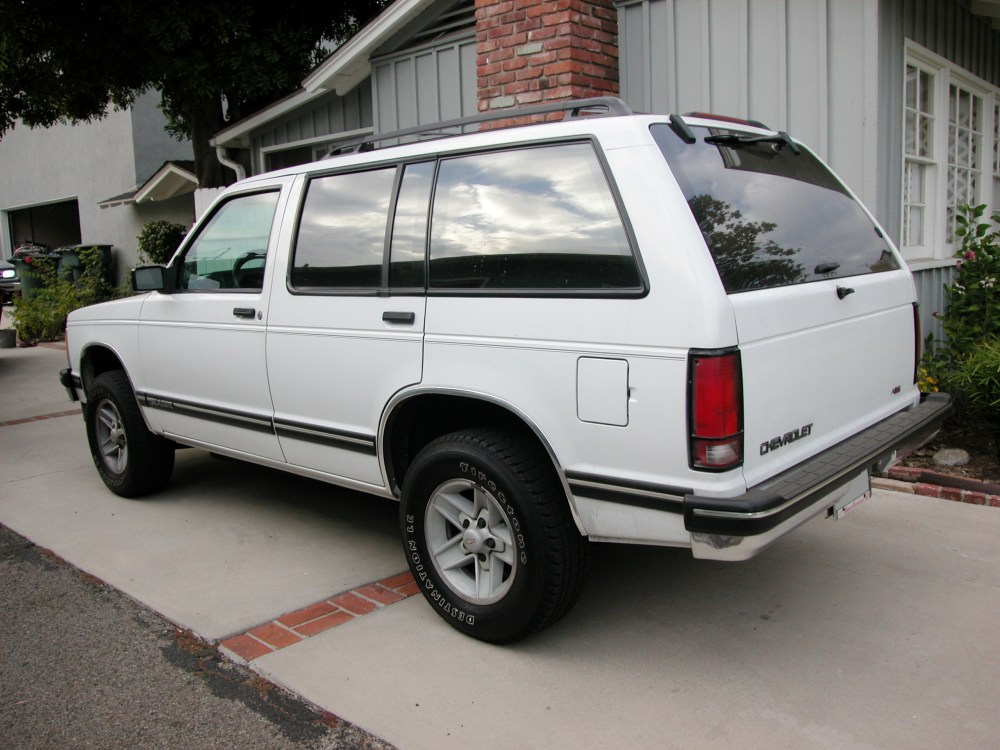 medium resolution of chevrolet s 10 blazer tahoe lt 12