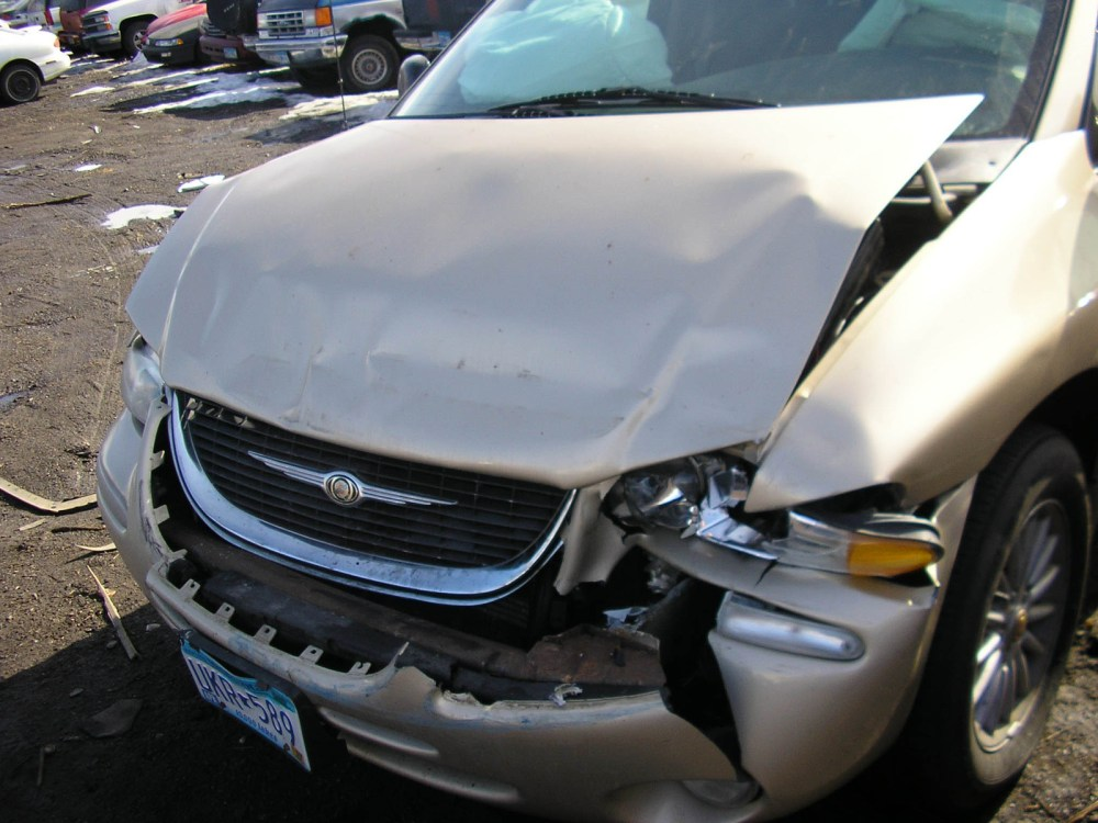 medium resolution of  chrysler town and country 2000 10