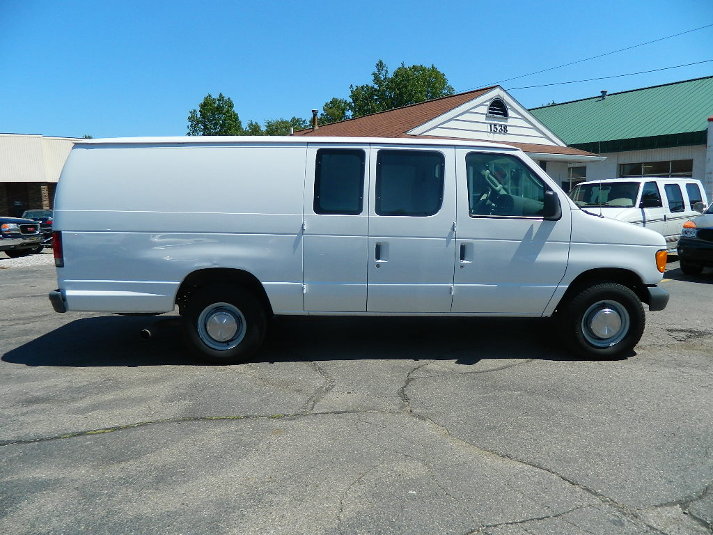 hight resolution of  ford econoline cargo 2006 2