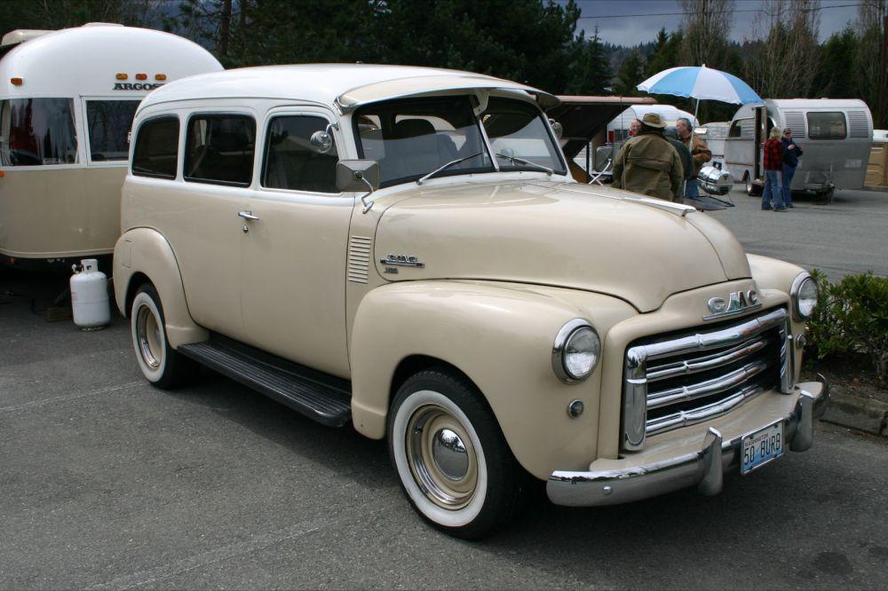 medium resolution of gmc suburban 1950 1