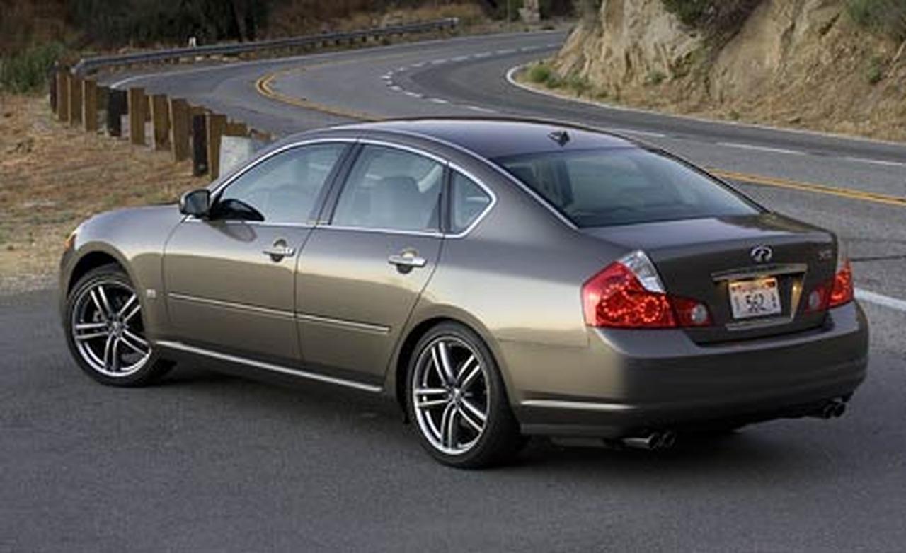 Infiniti 2006 M35 Car Magazine