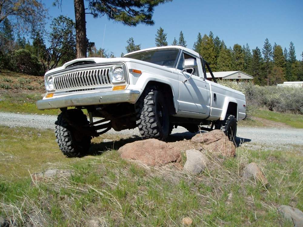 medium resolution of jeep j10 1981 12