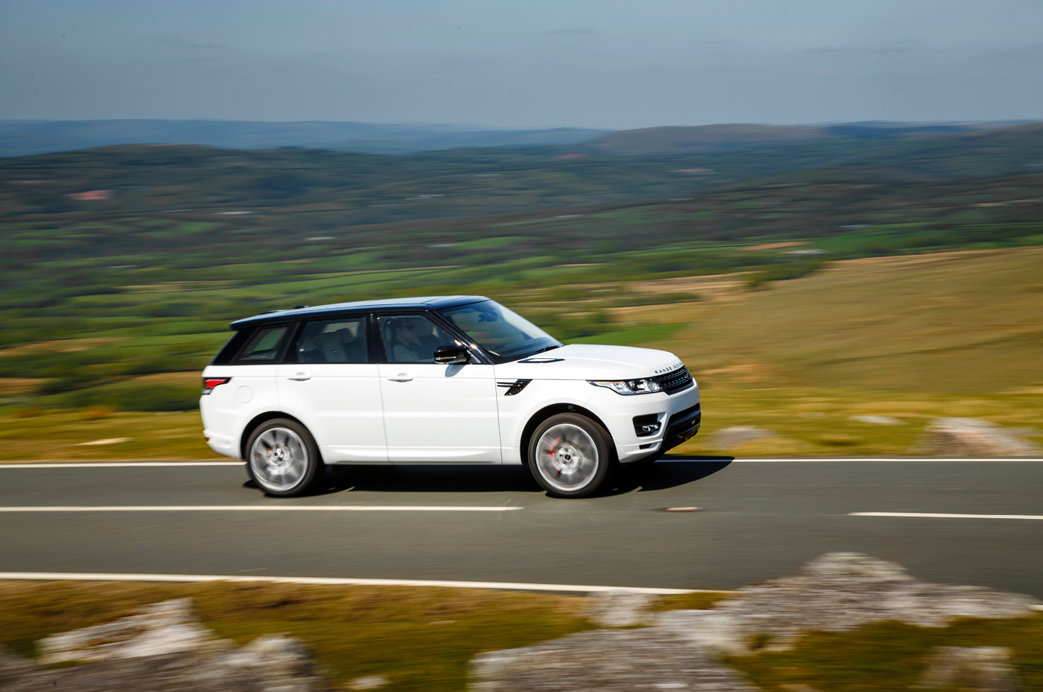 2014 Land Rover Range Rover Sport Information and photos MOMENTcar