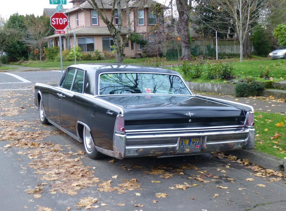 medium resolution of lincoln continental 1965 4