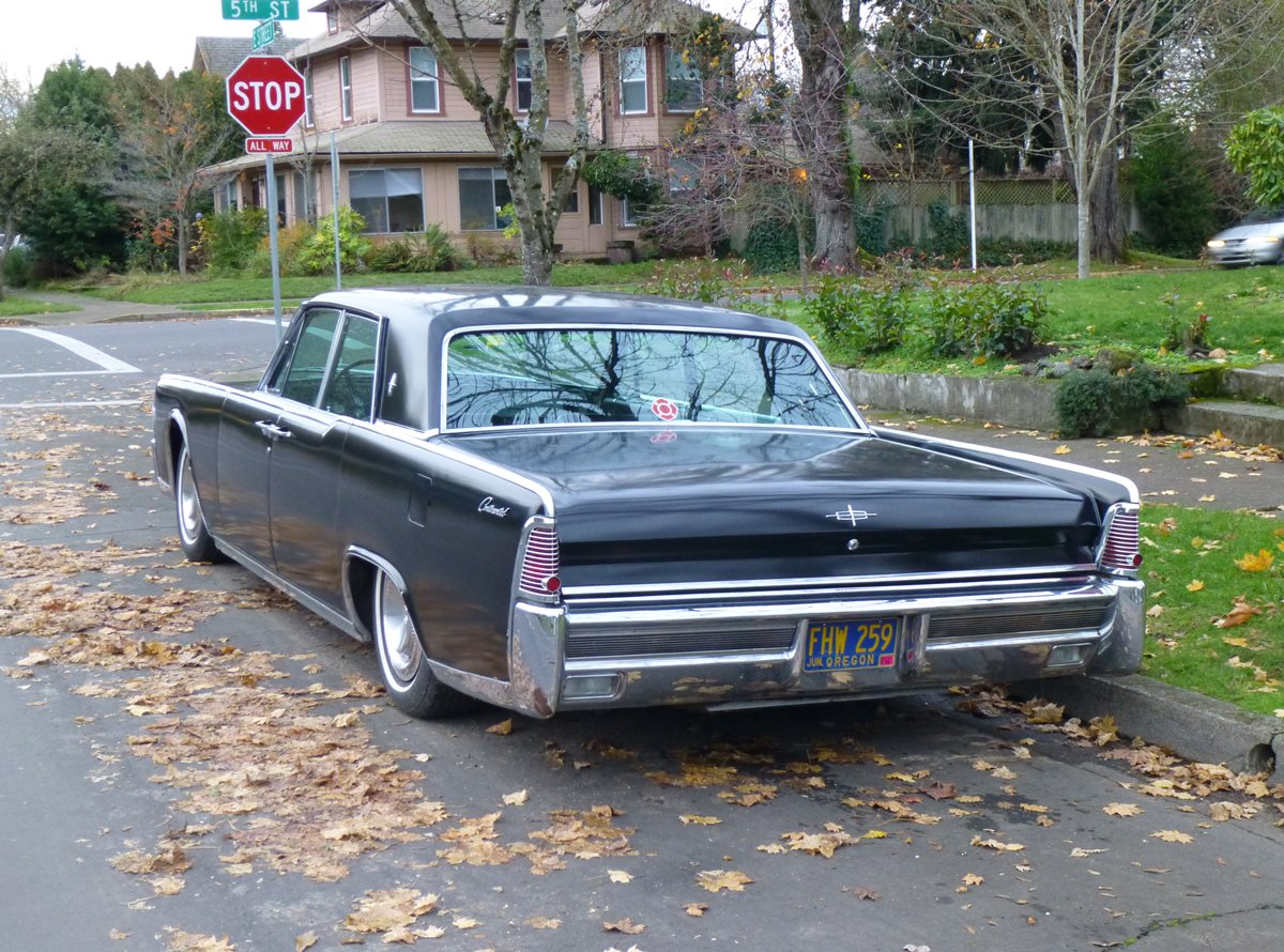 hight resolution of lincoln continental 1965 4