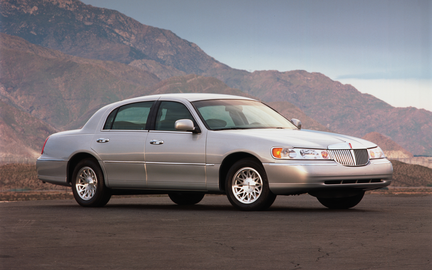 hight resolution of lincoln town car 1998 6
