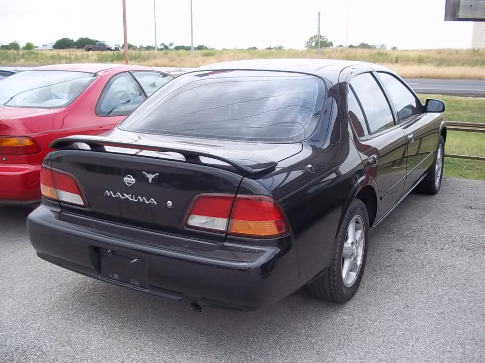 medium resolution of nissan maxima 1999 4