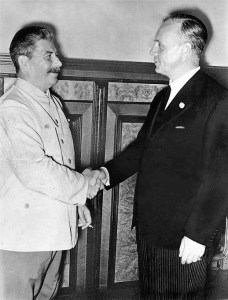 Joseph Stalin and Joachim von Ribbentrop (1939). (Wikimedia Commons)