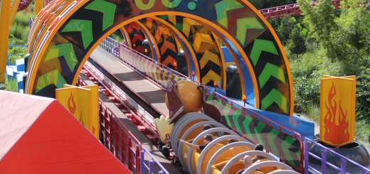 Slinky Dog Dash Go Sign