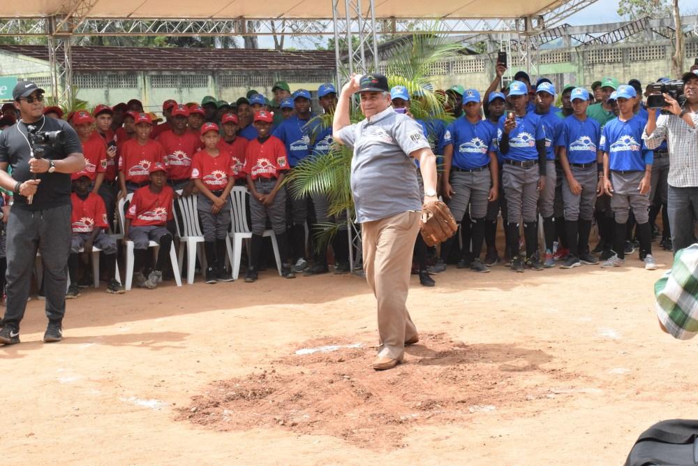 Winston Llenas-RBI Rica