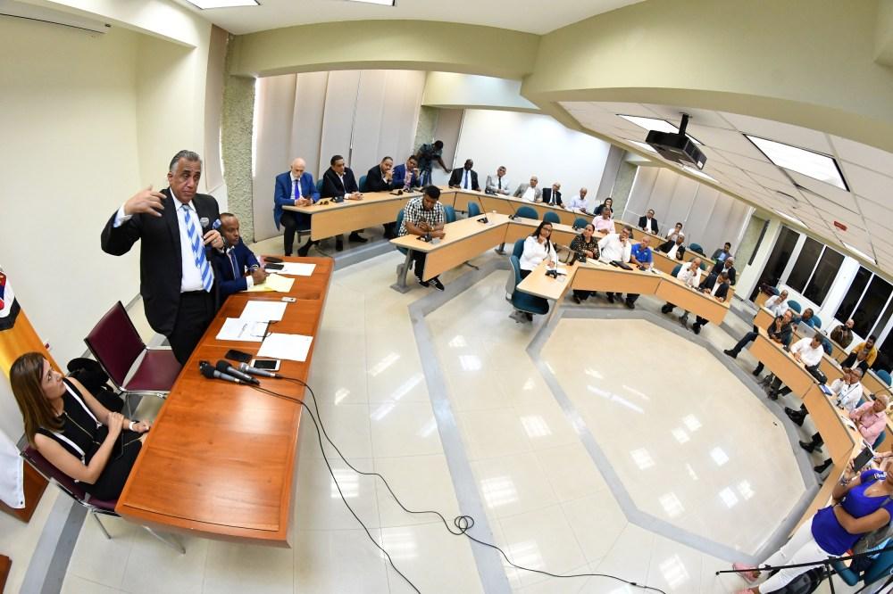 Luis Mejia Oviedo_Reunion comite ejecutivo del COD_Santiago_ 03