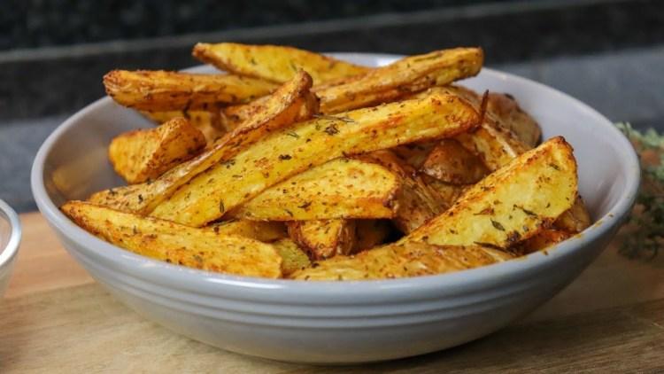Receita de Batatas Fritas Rústicas na Air fryer