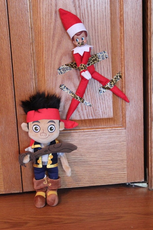 funny-elf-on-the-shelf-02