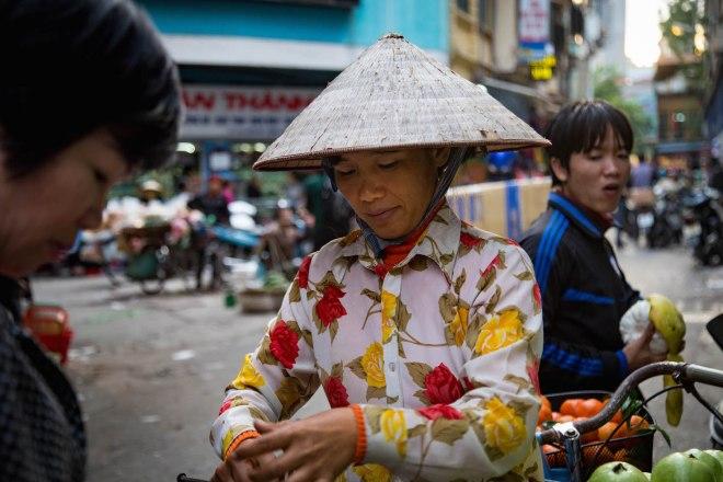 Hanoi-Dong Xuan Market5