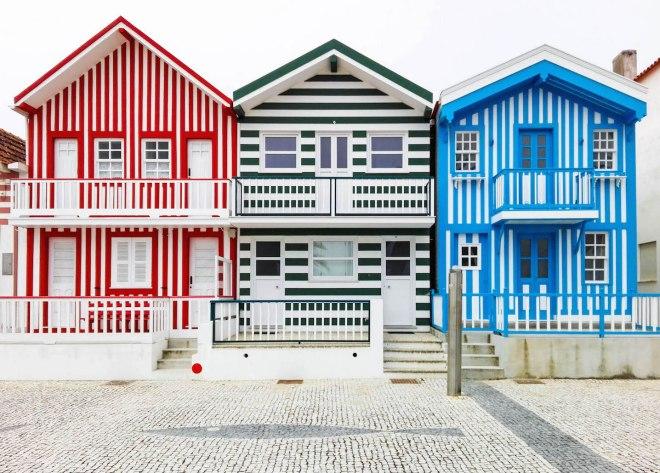 Costa Nova-colorful houses-portugal-momentsofyugen