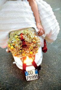 Una vespa en mi boda by Momentsf9b1560