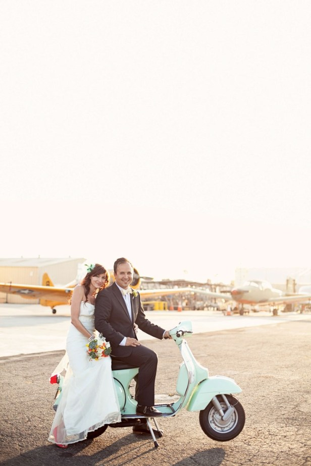 Una vespa en mi boda by Moments
