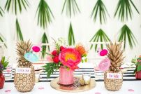 DECORACIÓN TROPICAL PARA BODAS