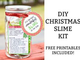 Christmas Slime - learn how to make a DIY Christmas slime kit. It's the perfect nontoy Christmas gift for kids. It's crafty and creative and will give the child an activity. Free printables included. #christmasforkids #christmasgift #christmasprintables