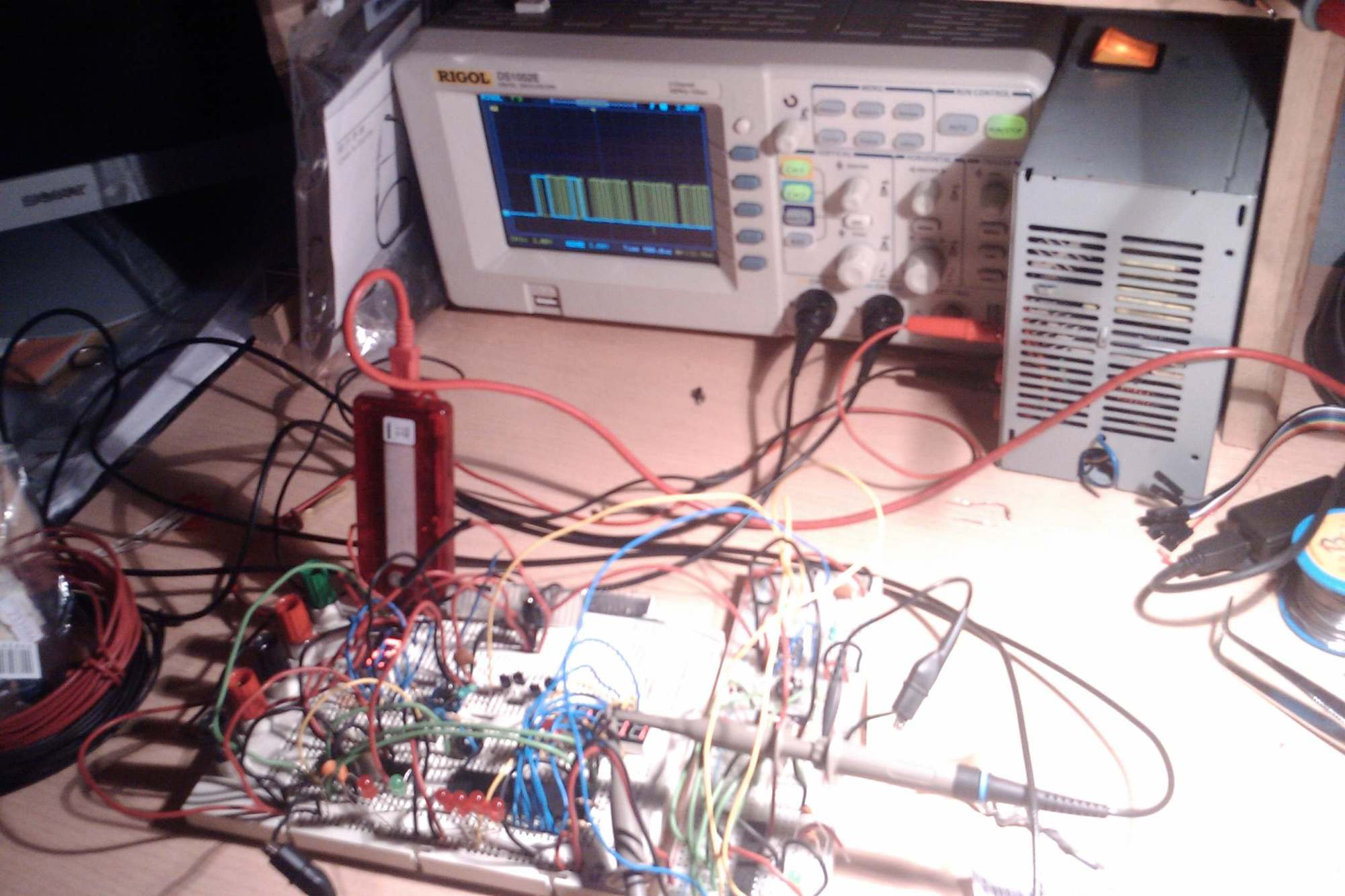 hight resolution of source momex cat content protoboard with power supply and oscilloscope source momex cat content wire