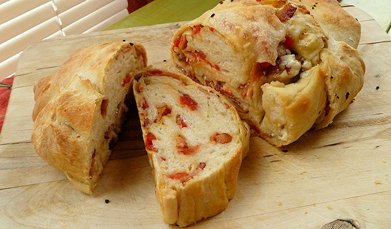 Bacon Blue Cheese And Tomato Bread Recipe Mom Foodie