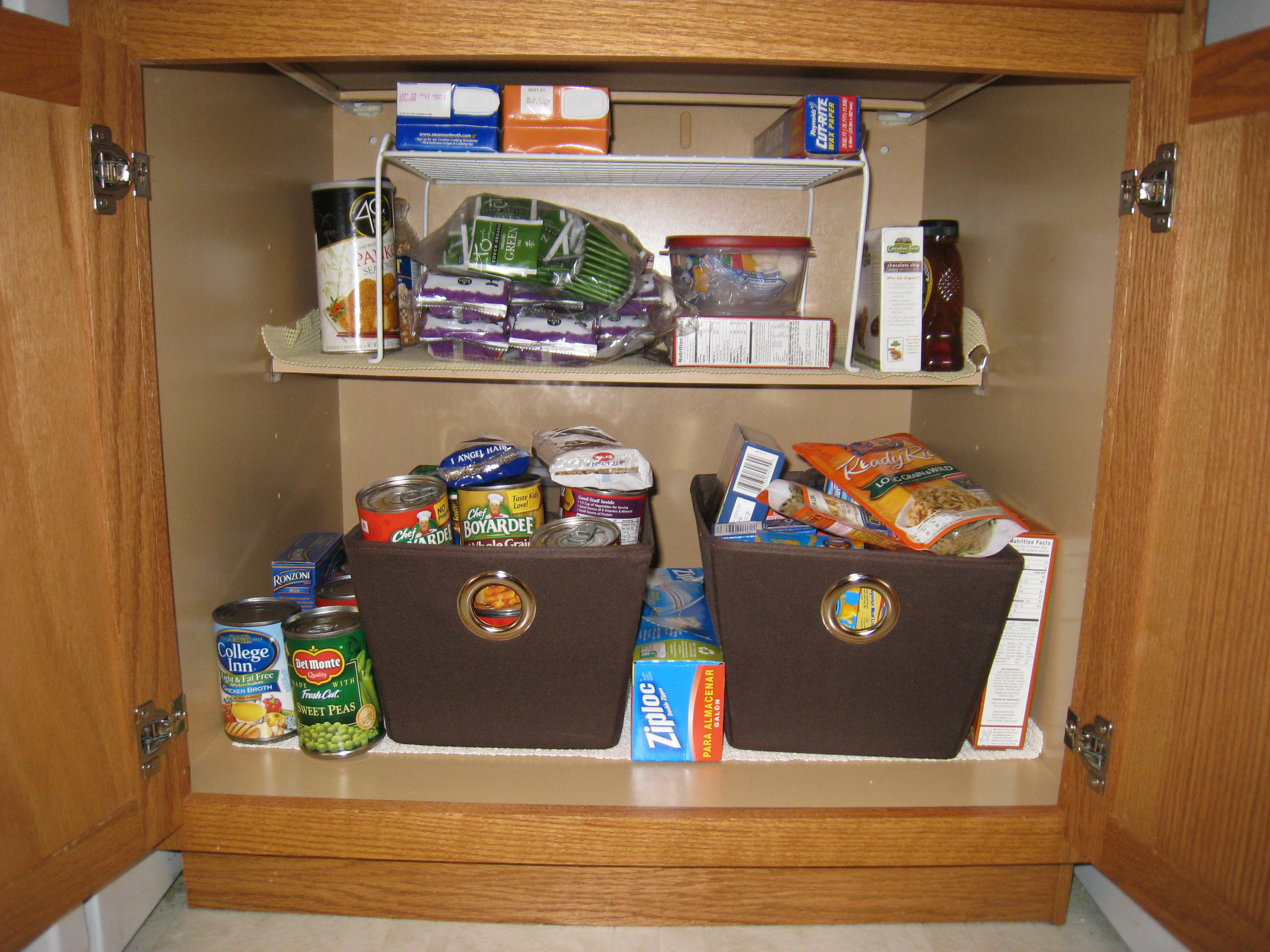 how to organize your kitchen cabinets and drawers table rug organization spree the momhomeguide