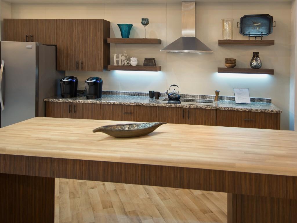 Home Interior Design Makeover Tips: Kitchen Countertops