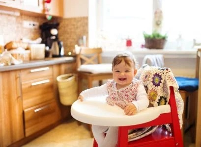 eating chair for toddlers butterfly covers vintage 9 best booster seats 2019 reviews baby girl sitting in a folding high