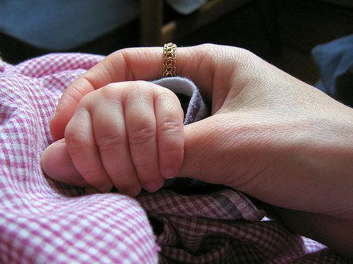 寶寶手部發展 嬰兒智力開發遊戲 1