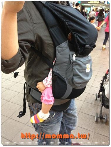ERGObaby爾哥寶寶嬰童背巾功能款開箱 13