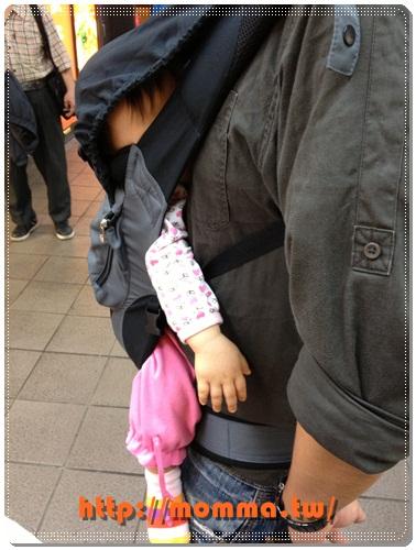 ERGObaby爾哥寶寶嬰童背巾功能款開箱 14