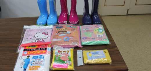 經濟部標檢局抽查逾7成兒童雨衣 塑化劑超標