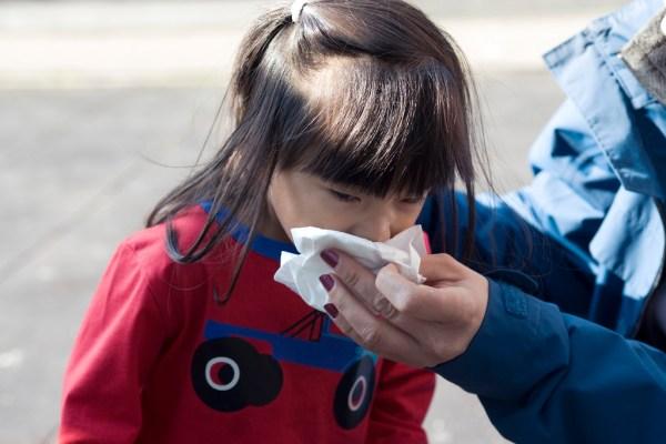 幼兒咳嗽咳不停 可能是黴漿菌感染症狀