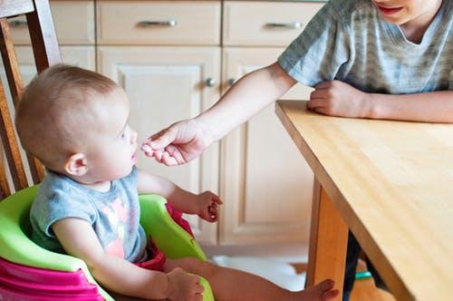 寶寶吃零食