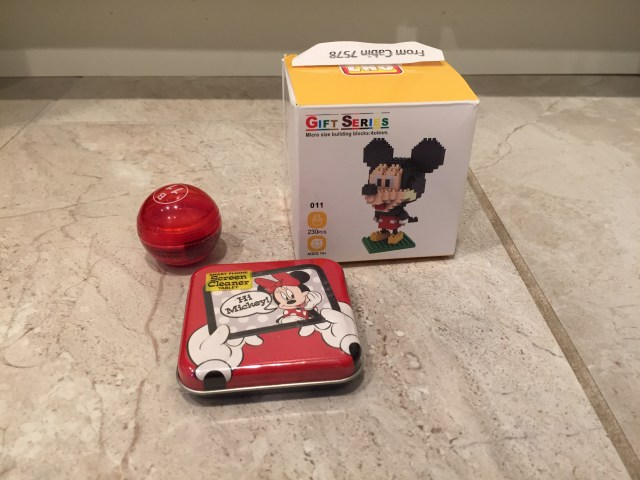 Screen cleaner and Mickey mini-building blocks