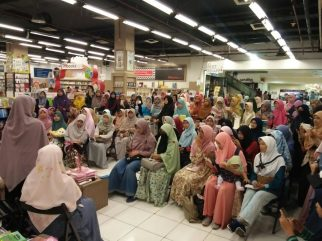 Meet and Greet with the Authors Salihah Mom's Diary-14