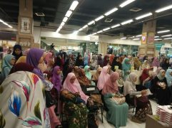 Meet and Greet with the Authors Salihah Mom's Diary-3